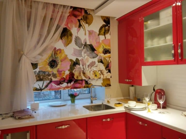 современные шторы на кухню