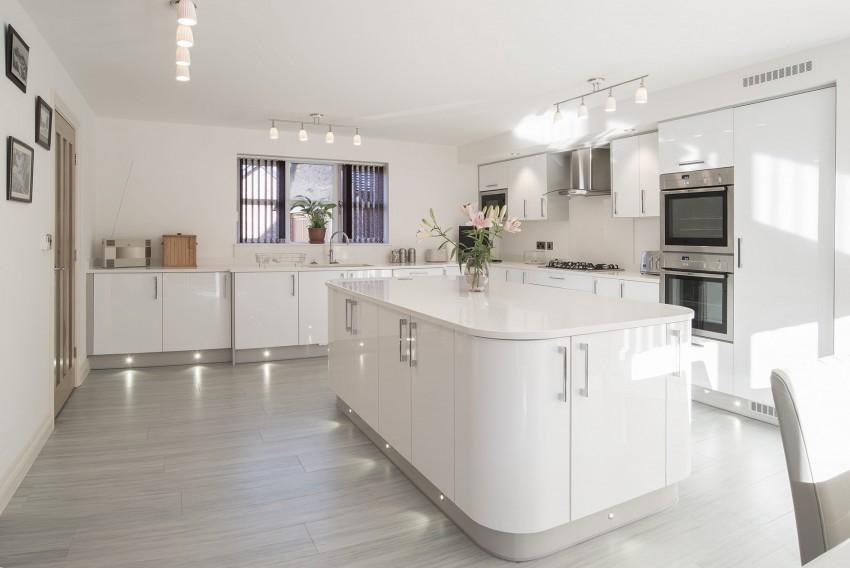 Акриловые кухни: плюсы, минусы, стильные решения и особенности лучших вариантов дизайна (90 фото)