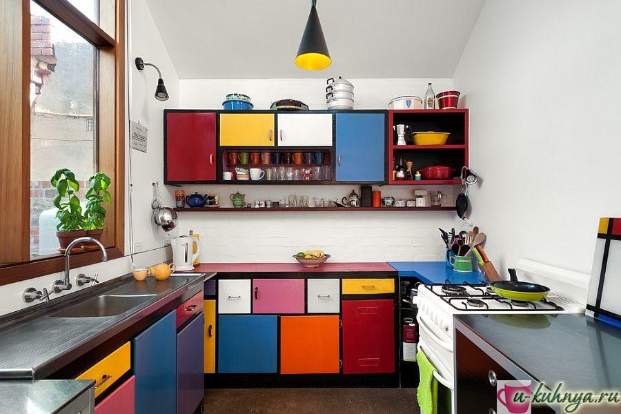 дизайн прямоугольной кухни в современном стиле