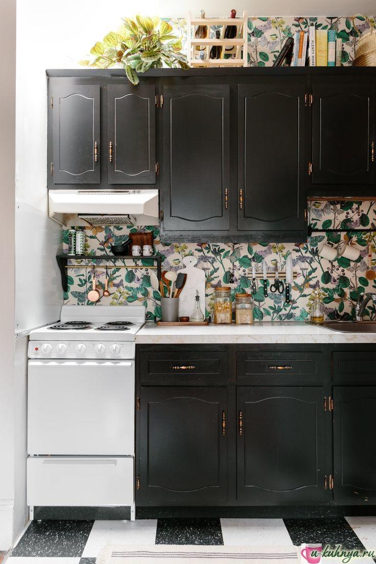 отделка кухни обоями фото