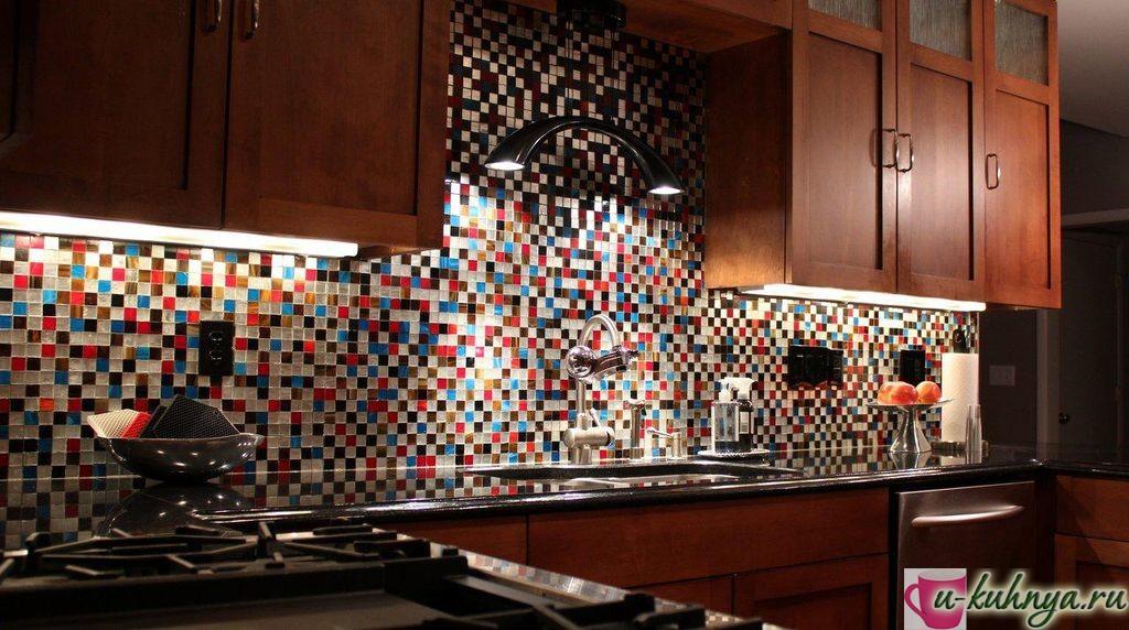 сделать фартук из мозаики на кухне