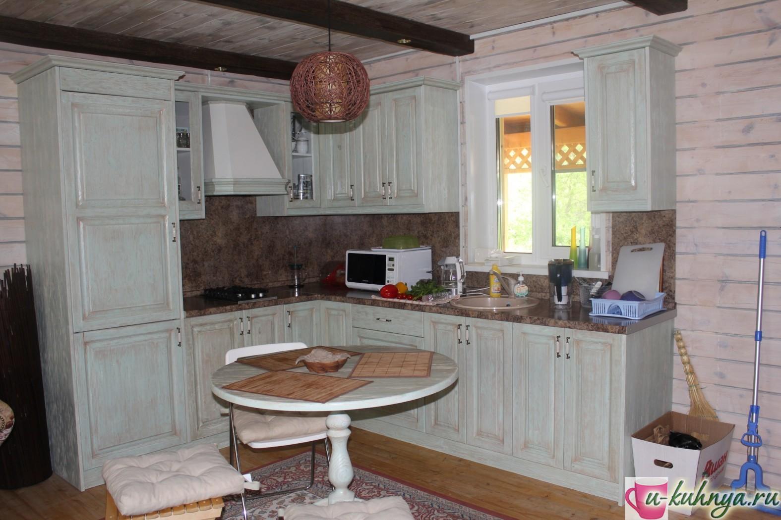 кухня в стиле кантри в доме